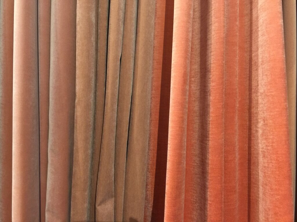 Cinnamon and rose hues are color trends at Heimtextile by Raymakers.