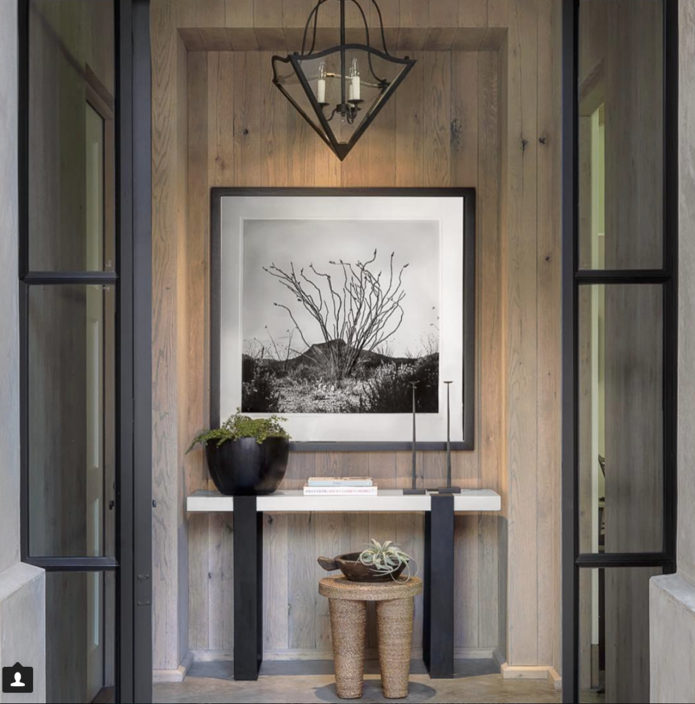 Studio Seiders designed this vignette with a stunning black and white photograph. I'd like to thank Palacek Design for putting it on my radar (it's their Wrapped Rope Stool placed in front of the table).