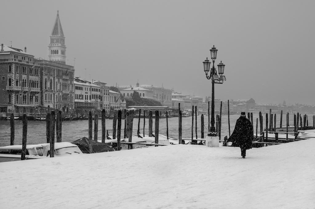 Fabio Bressanello captured Venice in the snow, a beautiful black and white image.