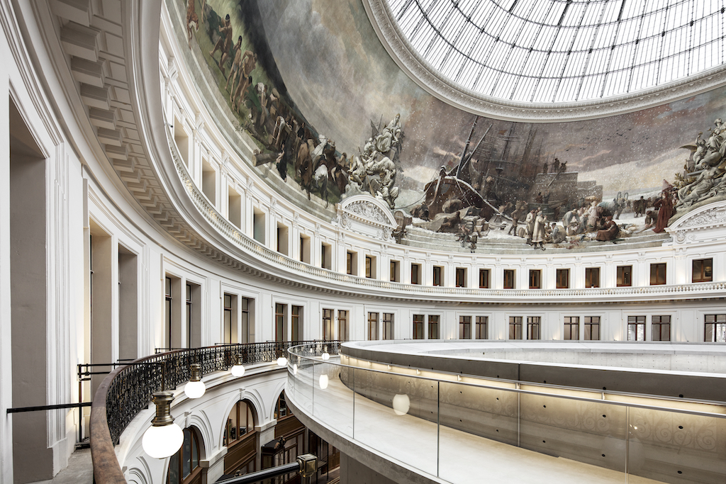 Also by Patrick Tourneboeuf, this image of the building that holds the Pinault Collection illustrates the complexity of the architectural project led by Ando.
