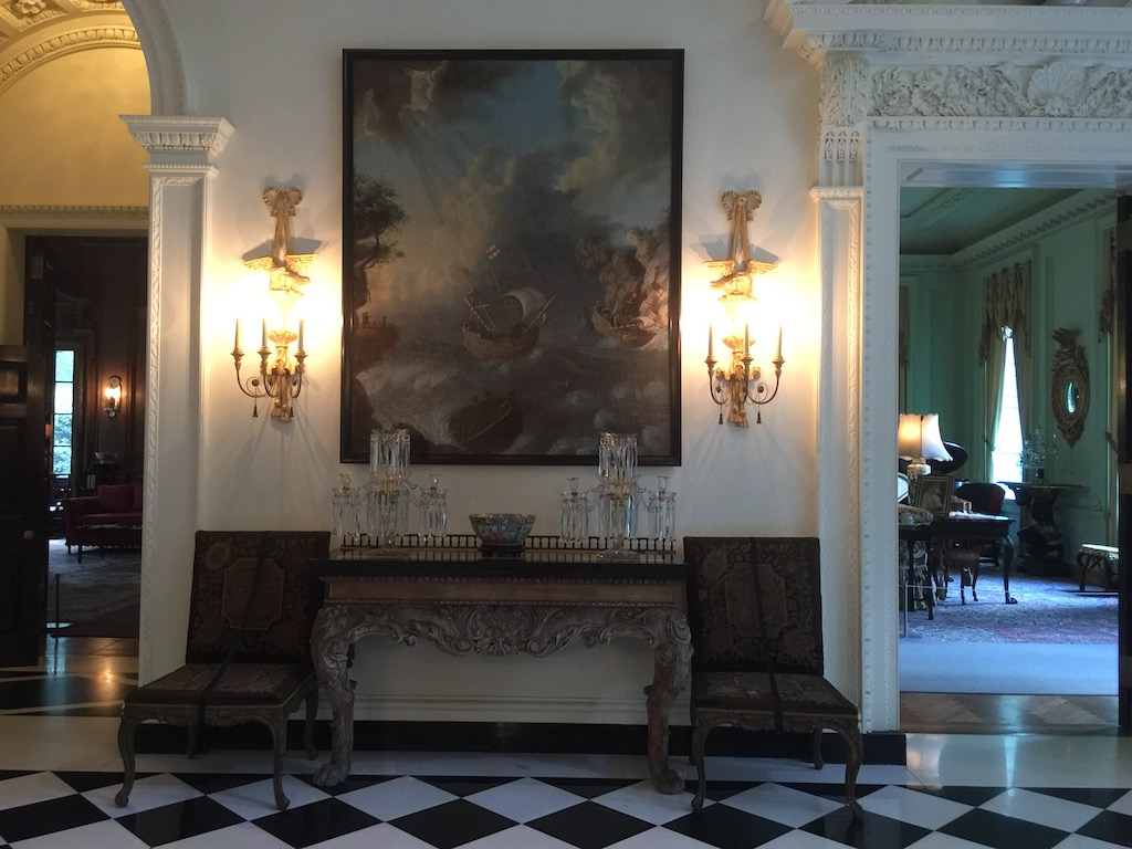 The stair hall at Swan House with its black and white marble floor (laid by Italian craftsmen who were imported for the purpose). Image © Design Diary.