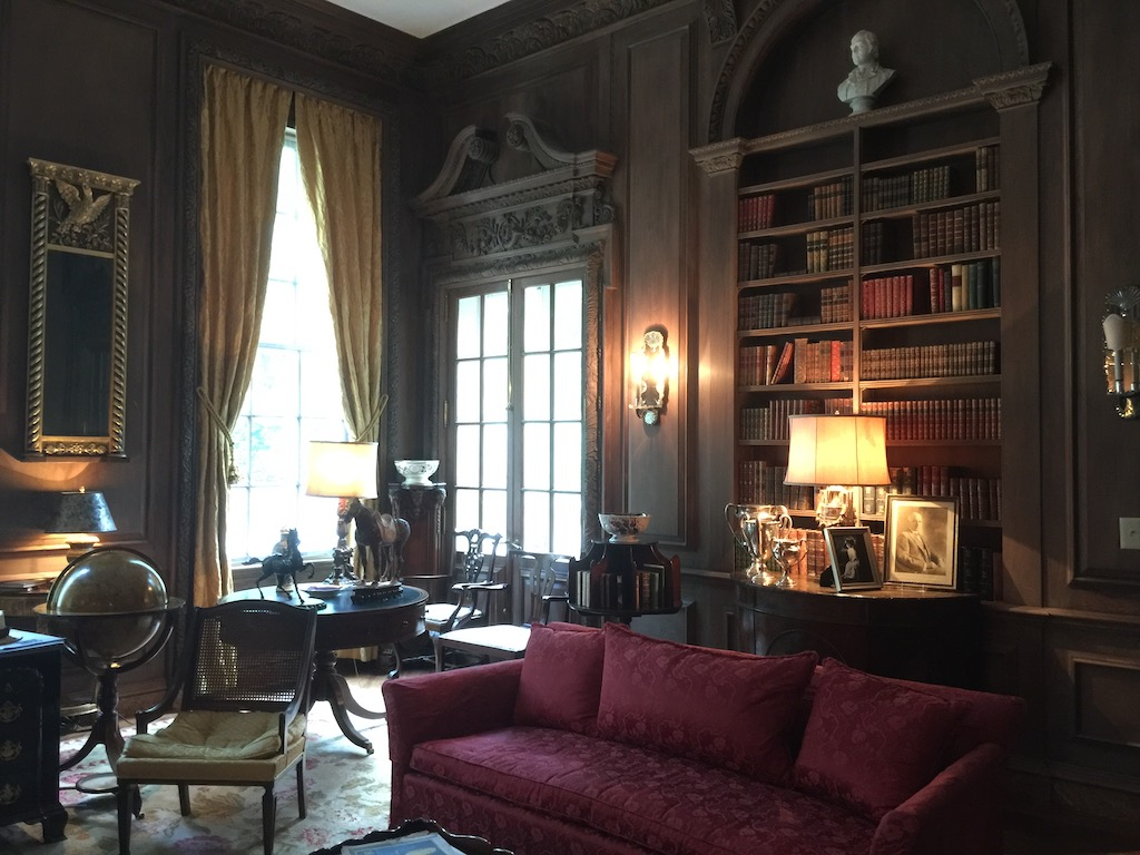 The library of Swan House. Image © Design Diary.