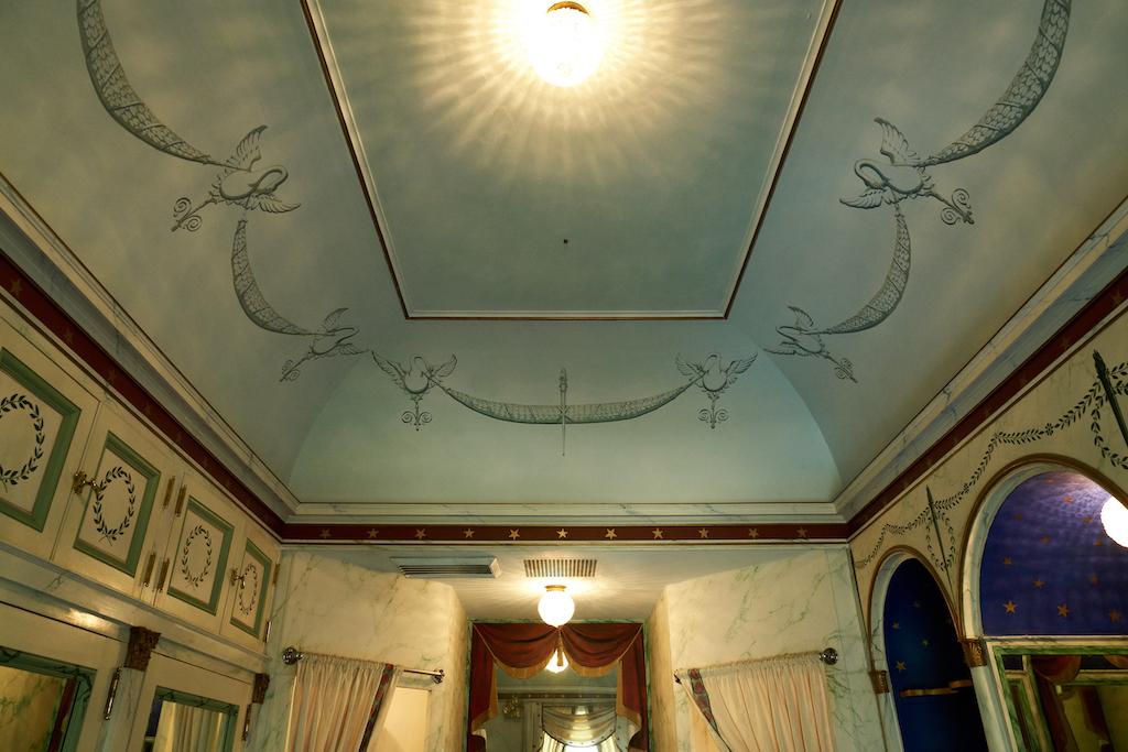 Emily Inman's bathroom at Swan House.